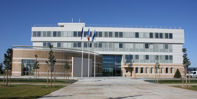 L 39 intercommunalit mairie vert saint denis for Piscine carre senart